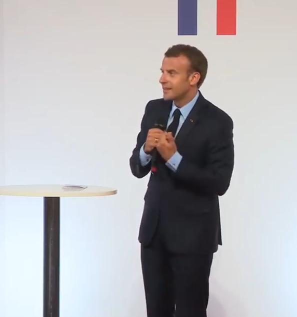 Macron 1.PNG
