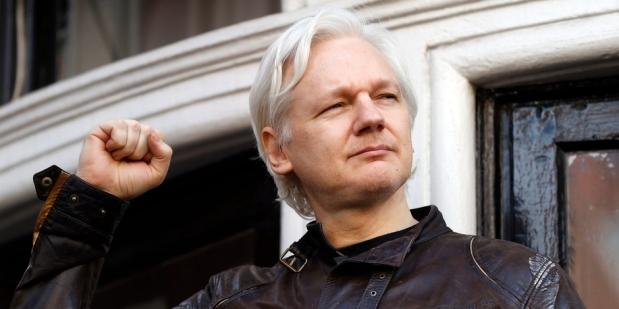 Assange arrêté. La Suisse peut-elle encore lui accorder l'asile?LHK